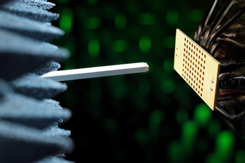 5G array 03 Bart van Overbeeke