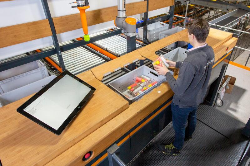 Vanderlande Innovation Center workstation 01
